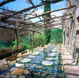 Villa C Dining Outdoors 1